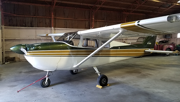 Cessna 172B (1961) Outside
